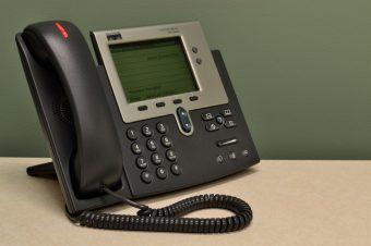 Installation de téléphone fixe